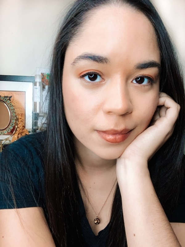 6 Tips To Stop Touching Your Face (From an Acne-Prone Skincare Blogger)